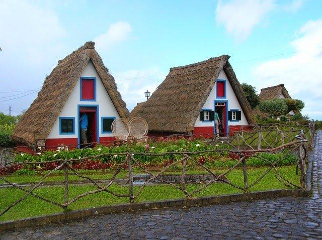 Casas de Sanana na ilha da Madeira